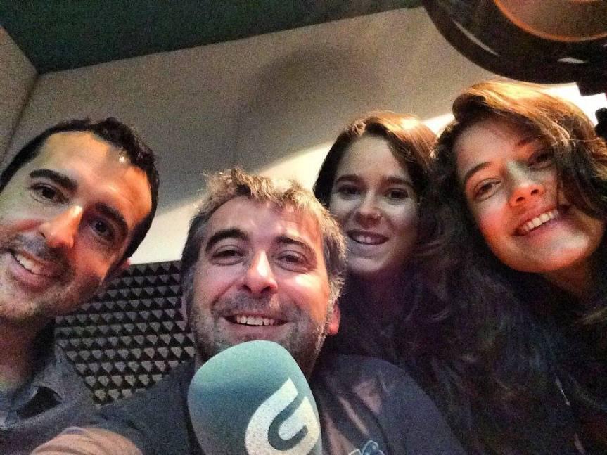 """José Manuel y sus alumnos me entrevistaron para el programa """"Come e Fala"""" de la radio autonómica de Galicia. ¡A mí, que no sé cocinar una tortilla!"""